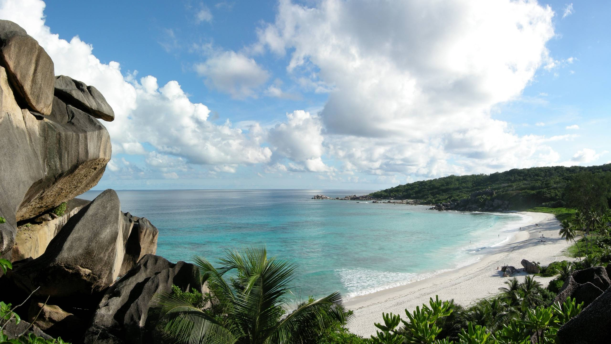 takamaka-green-village-seychelles-beach